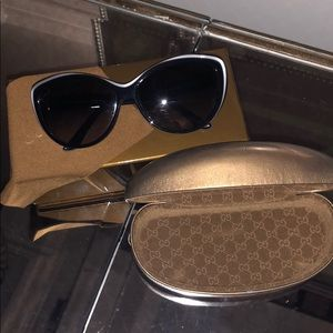 Gucci cateye sunglasses black